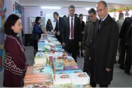 İLKOKUL ÖĞRENCİLERİNE BİRİKİM VE KİTAP OKUMA ALIŞKANLIĞI KAZANDIRACAK KİTAP FUARI