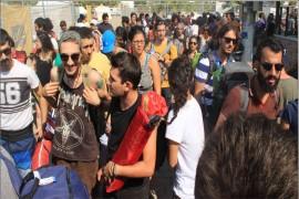 ZEYTİNLİ ROCK FESTİVALİ İÇİN ON BİNLERCE KİŞİ EDREMİT'E AKIN EDİYOR